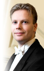 Why choose Christopher Langdown for your wedding pianist